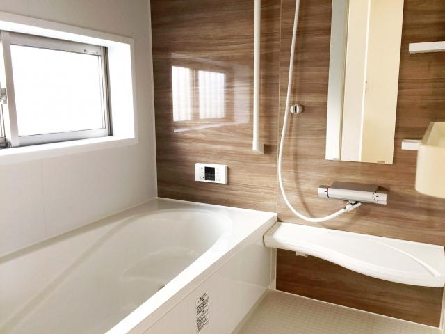 【費用】お風呂の水漏れ・つまり・シャワー修理はいくら?要点まとめ
