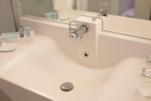 洗面所の止水栓が固い、回らない!そもそも見つからない!を全部解決