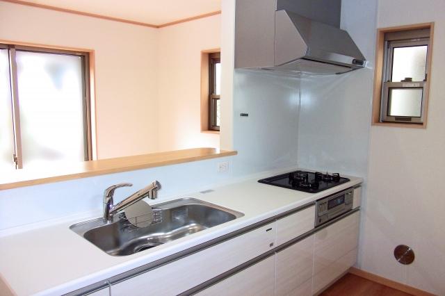 キッチンの蛇口やパイプ交換で大変身!使いやすい空間作りのお手伝い