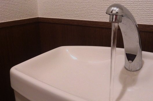 水が止まらない!応急処置と蛇口の部品交換DIYの方法を伝授