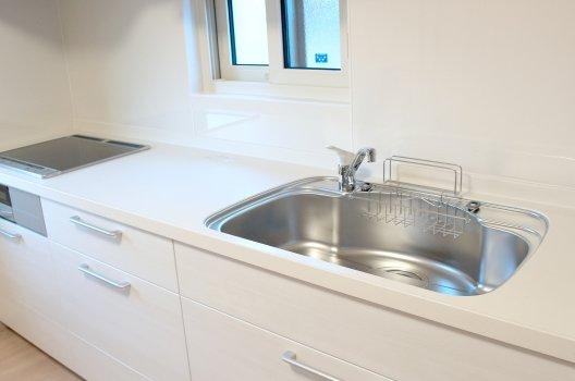キッチン排水溝の臭い解消法と予防法