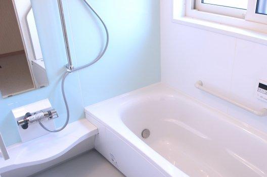 風呂場が臭い5つの原因と対処法!手軽にできる排水溝の掃除方法とは