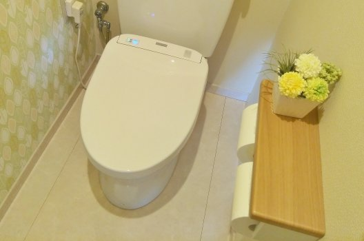 トイレ水漏れが賃貸で発生!原因と対処法・放置するリスクとは