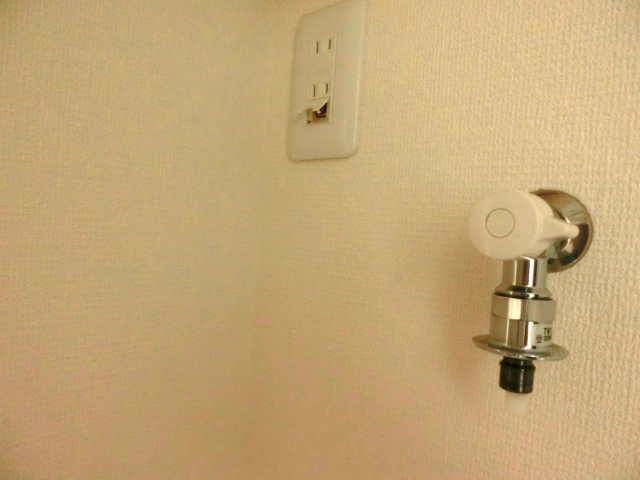洗濯機蛇口のアタッチメント|蛇口の種類別・取り付け方や交換の手順