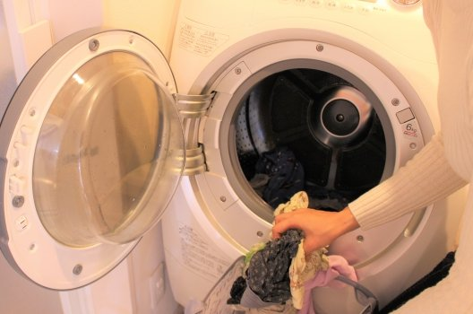 洗濯機の排水口詰まりを掃除する方法・手順