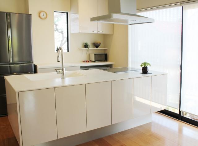 台所の排水溝つまりを業者に依頼する費用を紹介。つまらせない対策も