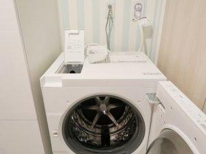 洗濯機の排水口が詰まった!掃除の仕方と詰まる原因・症状を紹介