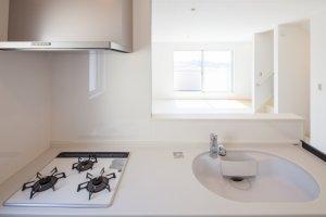 台所の排水溝が臭い!ニオイを除去する対策法と掃除の仕方