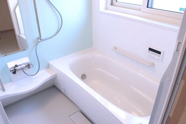 【浴槽の水漏れ】原因の探し方と自分で修理する方法を解説します