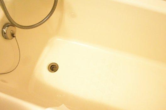 原因1.浴槽のひび割れ