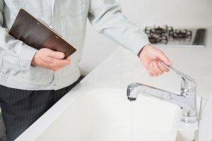 【水道の蛇口】パッキンの交換方法!蛇口の種類別の修理方法について
