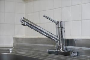 水栓の交換手順を蛇口のタイプ別でご紹介!注意点や作業のコツも解説