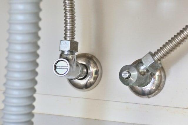 止水栓は必ず閉めること