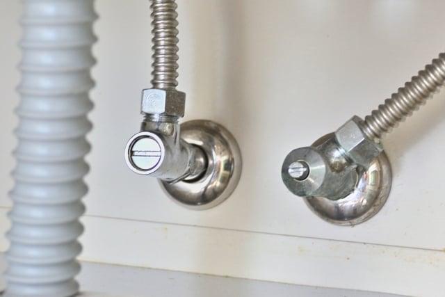 作業前には止水栓を閉める