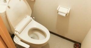 業者を呼ぶ前に!トイレ詰まりを解消するために必要な道具と使用方法